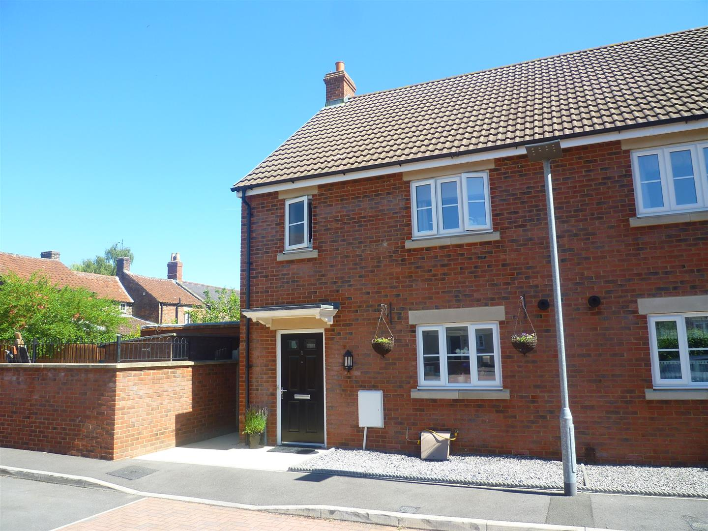 3 Bedrooms Property for sale in The Mowlems, Southwick, Trowbridge